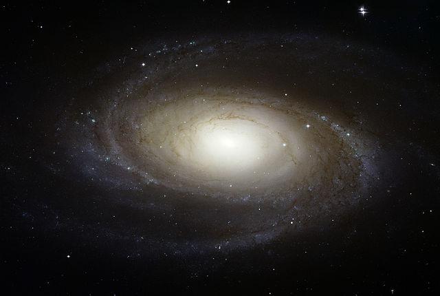 640px-Messier_81_HST